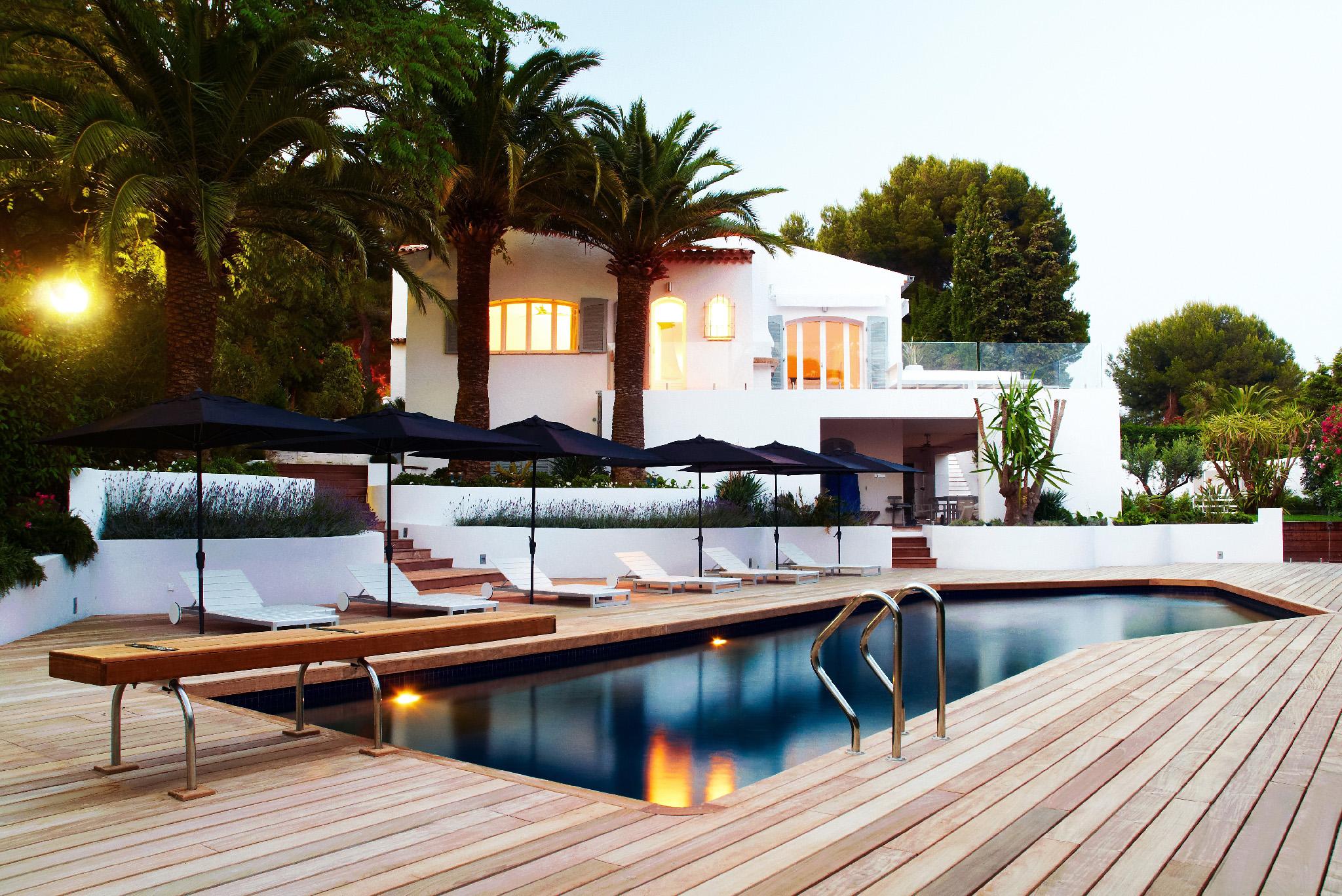 Reportage photo villa avec piscine bois